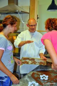 Marcin Goetz podczas swoich warsztatów piernikowych