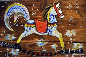 Konie na drewnie Natalii Poniatowskiej