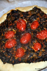 na kolację jedliśmy pyszne dania Marisy; na przykład tartę z pomidorami